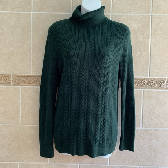 Talbots Sweaters - Talbots Hunter Green Cable Knit turtleneck sweater